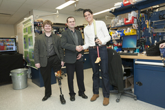 Milos Raonic visits Holland Bloorview's prosthetics lab where the LC Knee was created