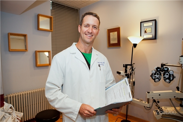 Dr. Steven Stetson is an experienced LASIK surgeon, treating patients throughout New York, New Jersey and Connecticut.