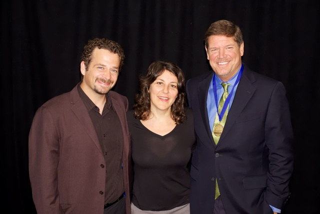 (L-R) APA New York Chapter Co-Chair Tony Gale, APA President Theresa Raffetto, APA Los Angeles Chapter Co-Chair and IPC 2013 Leadership Award Recipient Anthony Nex