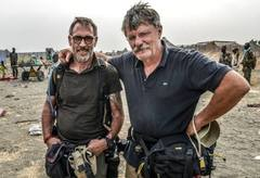Robert Young Pelton & Tim Freccia in South Sudan (c) 2014 Tim Freccia