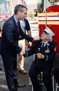 Lt. Paul Geidel and LA City Mayor Eric Garcetti during 9/11 ceremony in Los Angeles (Photo By John Conkel)