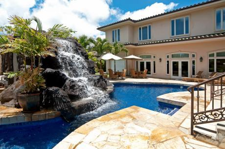 Oahu rental with pool