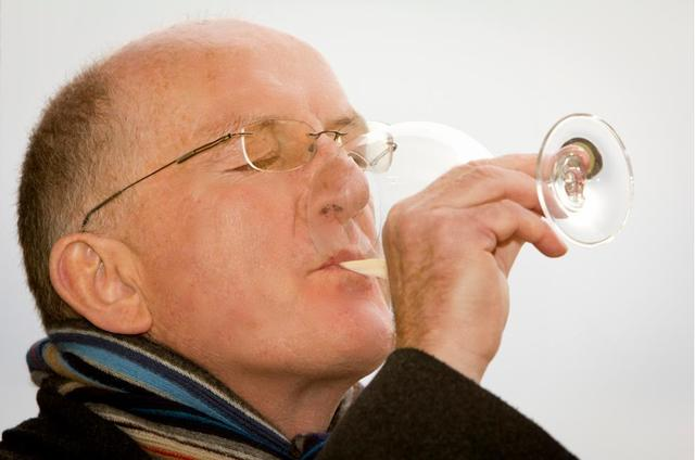 Sark's first wine is a blend of Savagnin, Chardonnay and Pinot Gris, which Oz Clarke (above) describes as young and fresh and a taste of Kentish apples from England