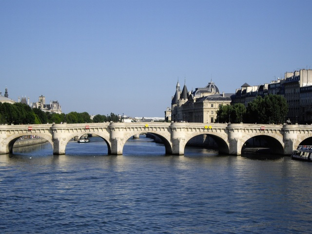 The River Seine in Paris, a favorite sight for guests of Left Bank Writers Retreat