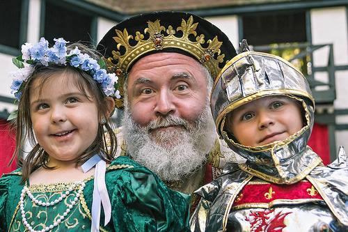 King Richard praises a pair of Prince and Princess Promenade participants