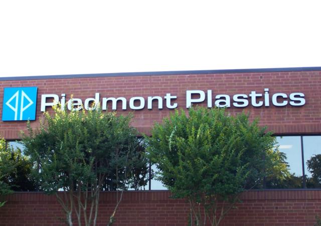 Plastic Distributor