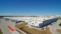 New Sherwin-Williams distribution center in Waco, Texas, built by general contractor Bob Moore Construction.