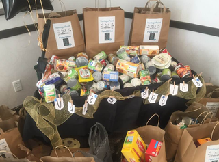 Vantagepoint AI Celebrates 40th Anniversary and Collects Almost 800 Pounds in Food Drive