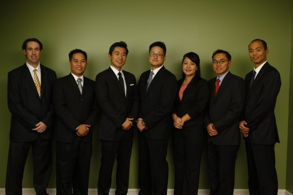 The team at The Ivy Institute - Joel Laudenbach, D.M.D. - Jun Flores, D.D.S. - David Li, D.M.D. - Jung Lim, D.D.S.- Jenessa Oo, D.D.S. - Christopher Kang, D.D.S., M.D. - Jason Gee, D.M.D.