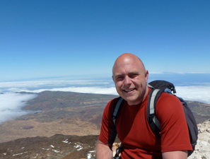 Paul Steele has been travelling the world sharing his experiences through live tweets and blogs at BaldHiker.com