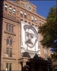 Apple Visual Graphics Creates Gigantic Wall Mural of Stalin by Picasso