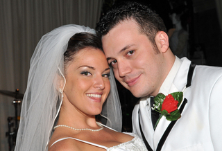 Tony n' Tina's Wedding Las Vegas Announces its First Interactive Viral Video contest