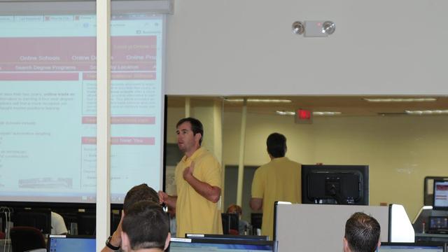Benjamin Evans teaching SEO at a training event.