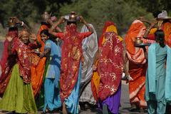 Samode Saris - Women in India walking together