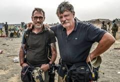 Robert Young Pelton & Tim Freccia in South Sudan (c) 2014 Tim Freccia