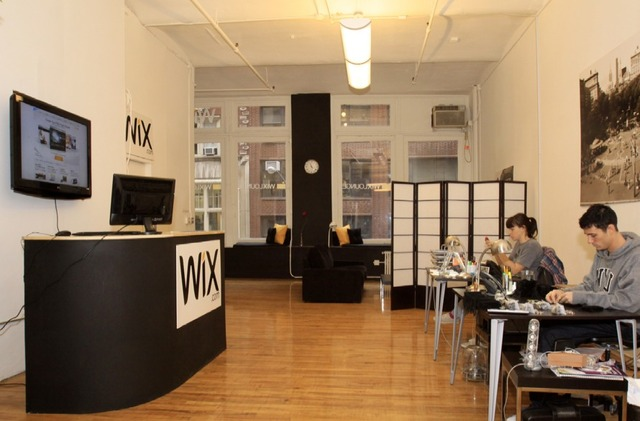 Free Website Support at Wix Support Bar