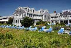 Resort lawn