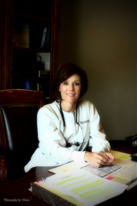 Dr. Krista Darr, of Darr Dentistry in Longview, TX, volunteers to help local women learn job skills and build independence through Heartisans Marketplace.
