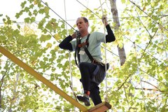Brandon Beecher, who won Iron Monkey 2nd Place, tackles an aerial element. (Photo: Outdoor Ventures)