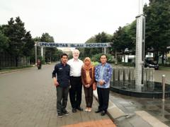 Professor Slomanson with Indonesian law students Sufa, Ratu and Professor Nandan