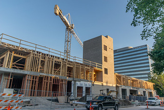 Everton Apartment Complex in Dallas, Texas Reaches New Phase of Construction