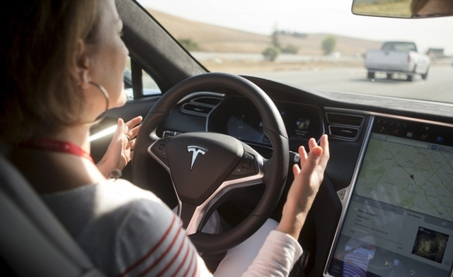 The first ever death caused by a driverless vehicle shines a light on the challenges the technology still faces. Shop Insurance Canada discusses the consequences of a tragic event.