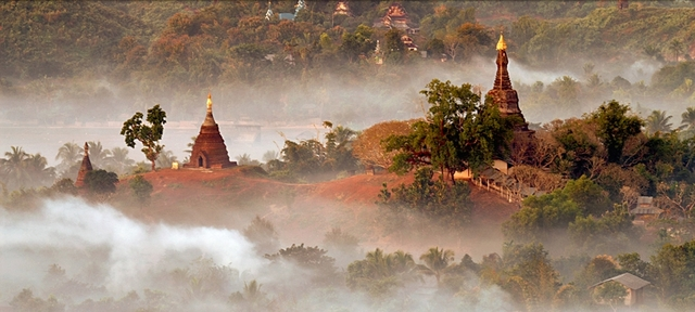 Mrauk U Temples in the morning mist