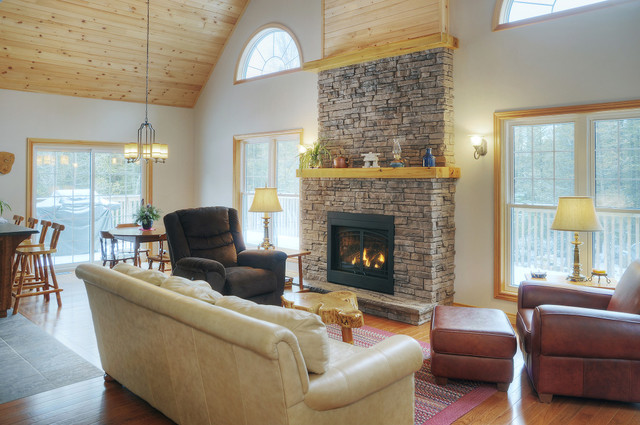 Fusion Stone is noted for being an innovative stone veneer solution, and developer Shouldice Designer Stone says the product is perfect for creating an outstanding fireplace.