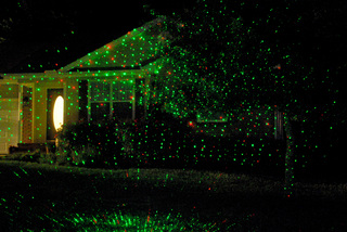 Night Stars Laser Lighting Changes the Landscape of Holiday Decorations