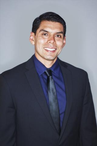 Jaime Figueroa (2L)