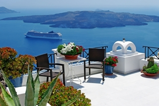 Pacific Holidays Offers an Unbelievable Flash Deal for Trips to Greece and Panama